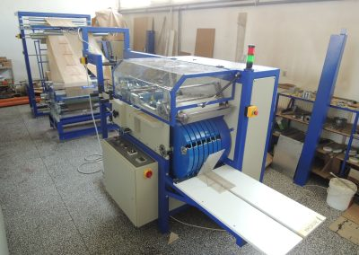 Masina de fabricat pungi din hartie Kraft